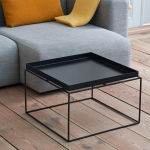 /hay-tray-mesa_0004_Mags_Sofa_Fiord_151_Mags_Cushion_10_Coda_442_Mono_Blanket_Lemon_Sorbet_Tray_Table_Black